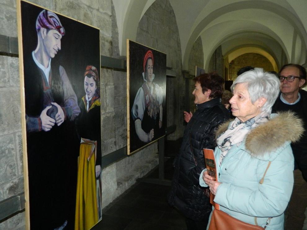 El alma del grupo Alto Aragón de Jaca llega a la pintura bajo el prisma de Esperanza Altuzarra