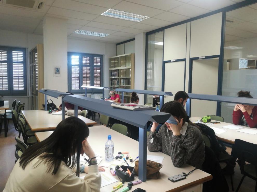 Nuevos espacios en la biblioteca de Magisterio