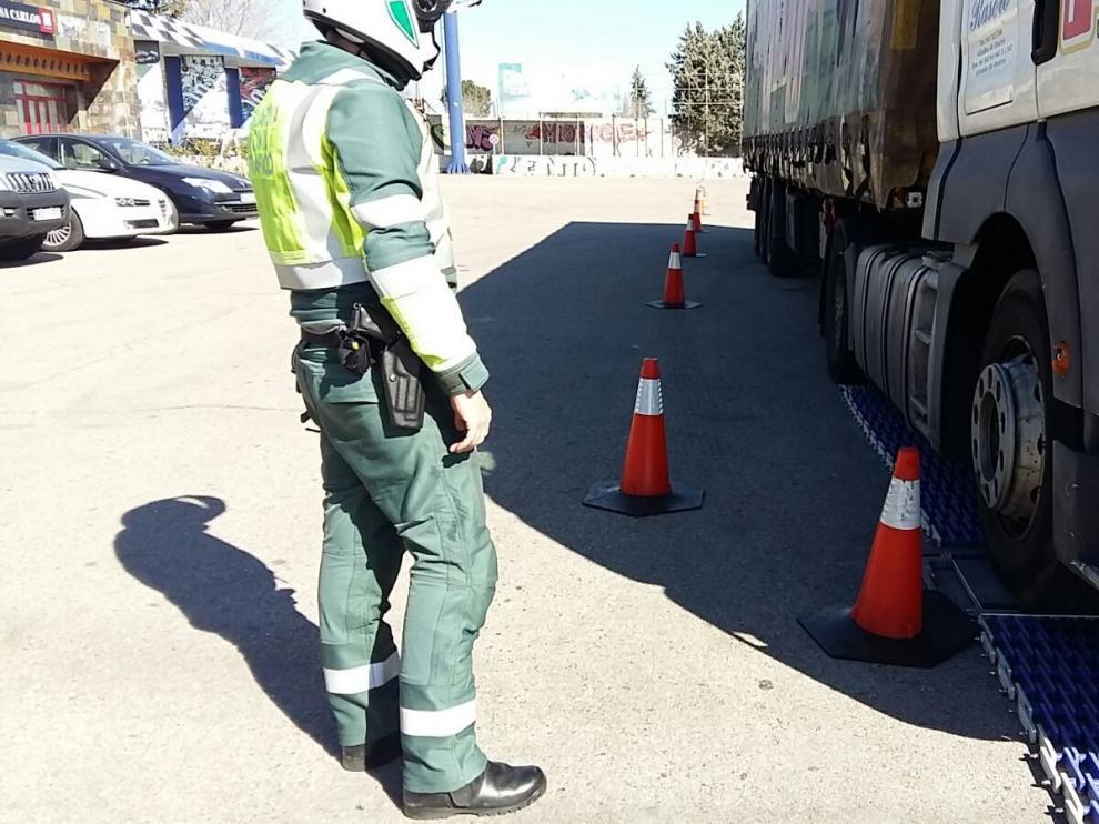 Tráfico intensifica la vigilancia de camiones, autobuses y furgonetas entre los días 18 y 24 de febrero