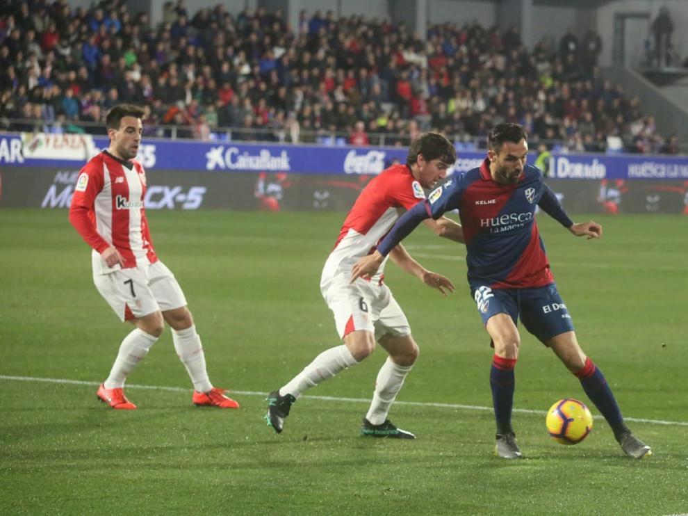 El Huesca cae en la red del Athletic