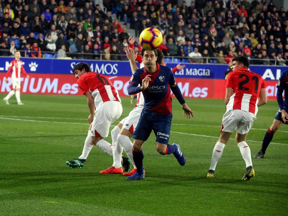 """Los jugadores del Huesca, """"dolidos"""" por la derrota ante el Athletic"""