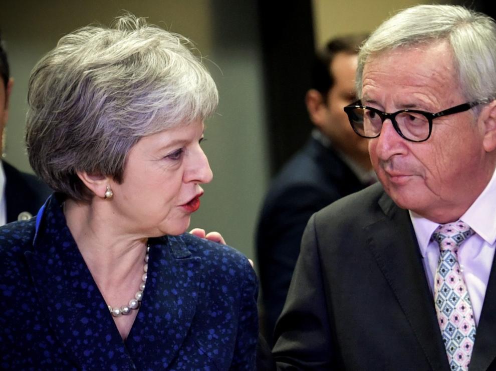 Juncker y May se reunirán este miércoles por la tarde en Bruselas