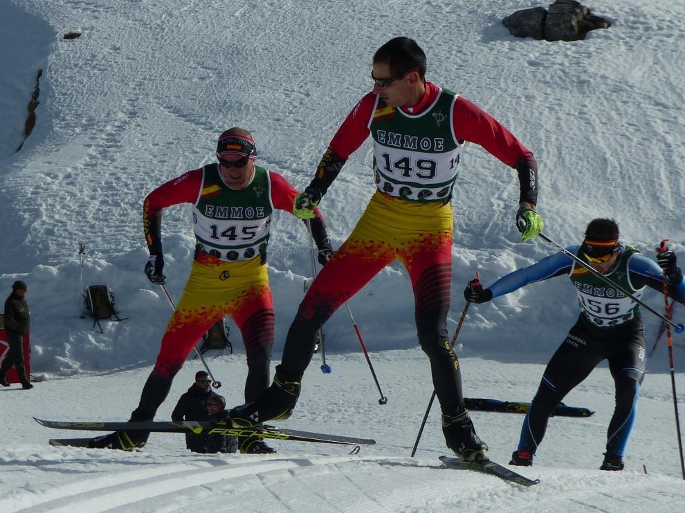 Diego Ruiz y Mónica Saez, campeones en las pruebas nacionales militares en Candanchú