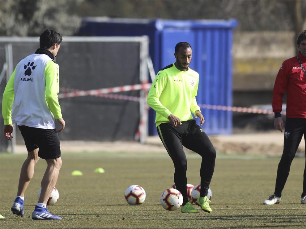 Akapo entrena con el Huesca y confirman la sanción a Miramón