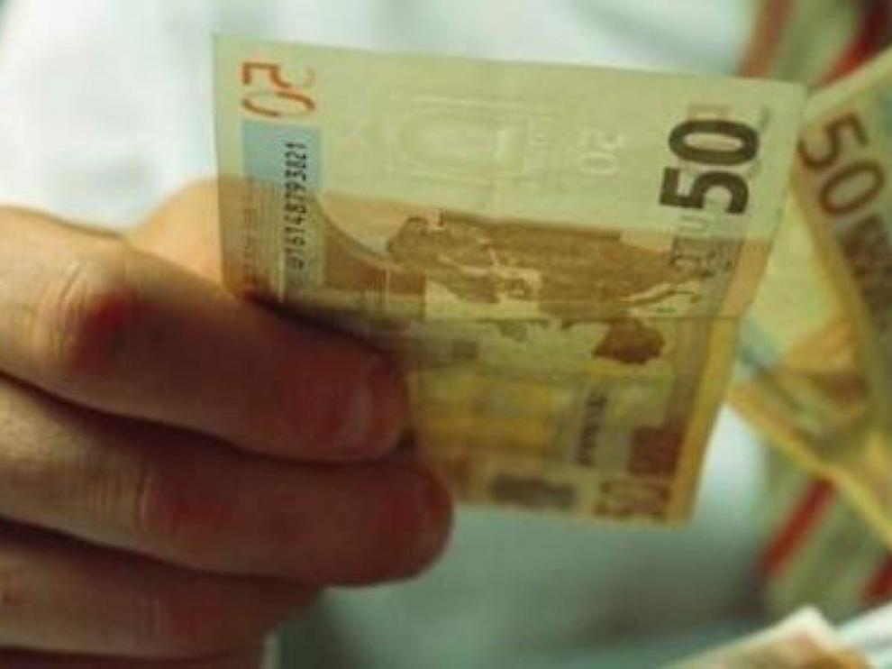 La Policía Nacional detiene a dos personas en Zaragoza por comprar dinero falso en internet