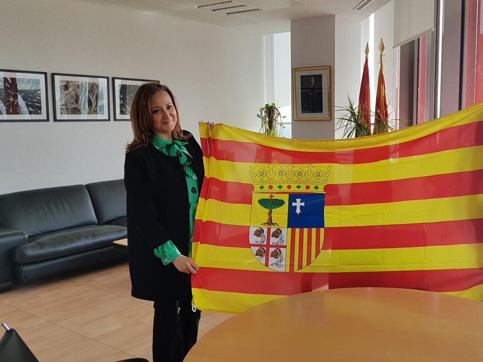 Daniel Osanz recibe el apoyo de la consejera aragonesa de Deporte, Mayte Pérez