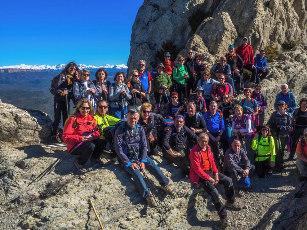 Buena jornada desde Salinas de Jaca de los excursionistas de Peña Guara