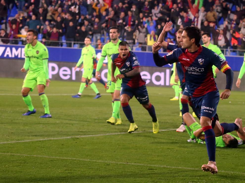 Xabi Etxeita se destapa como goleador