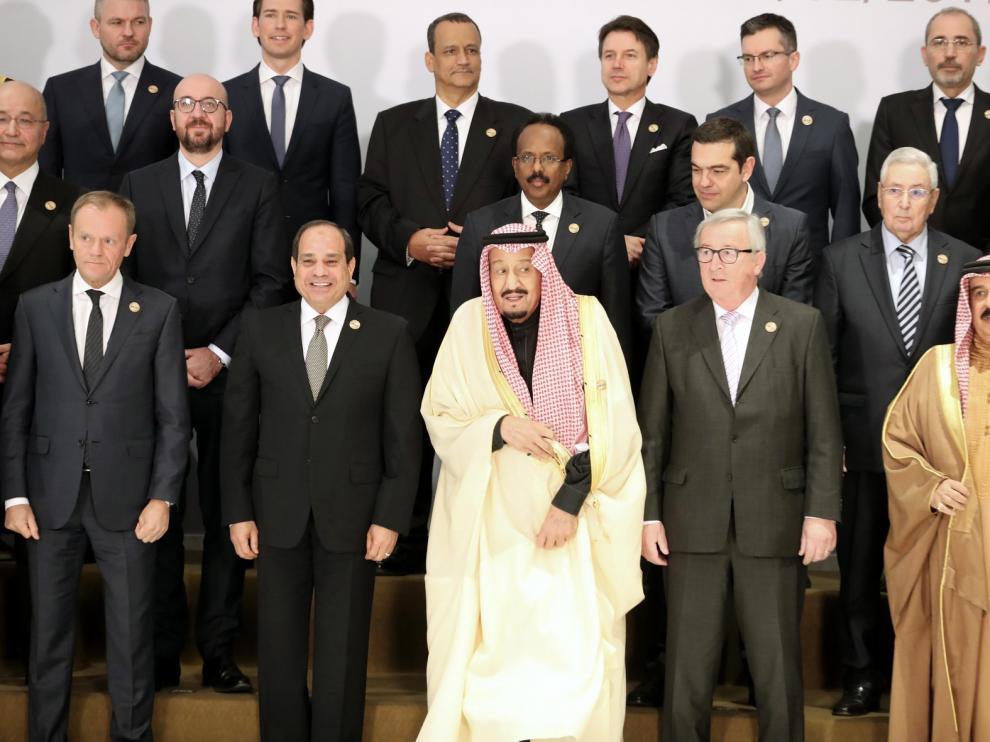 Europeos y árabes difieren en su primera cumbre