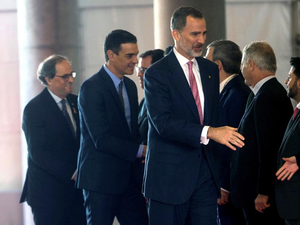 Felipe VI, Sánchez y Torra inauguran el Mobile con el recorrido por la feria