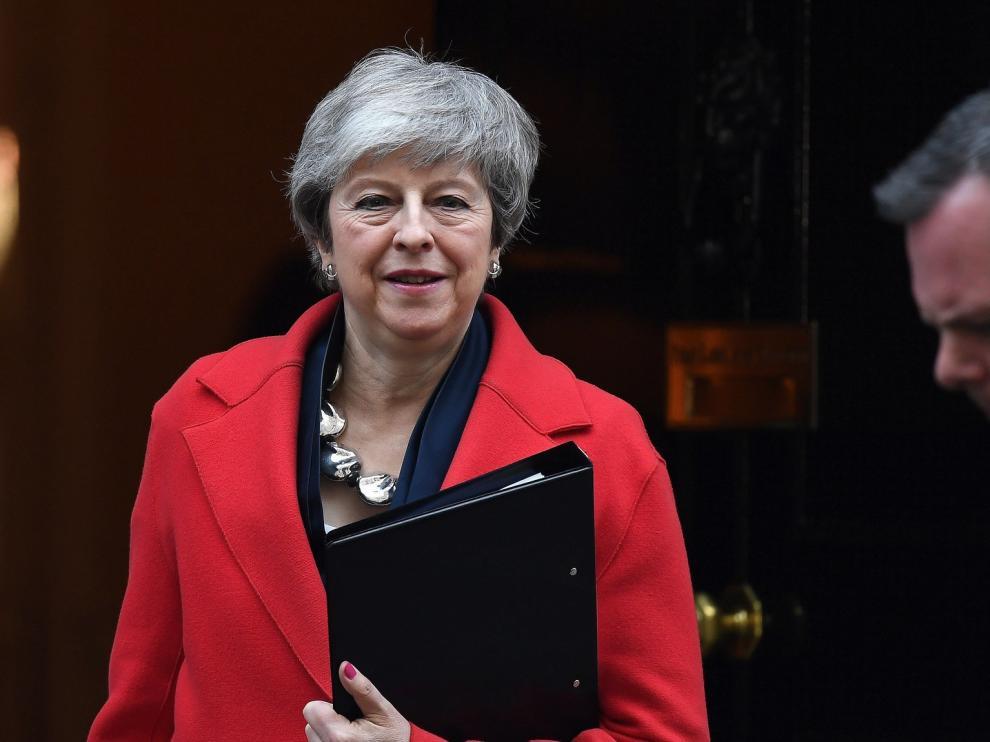 """May acepta que el Parlamento vote si se retrasa el """"brexit"""""""