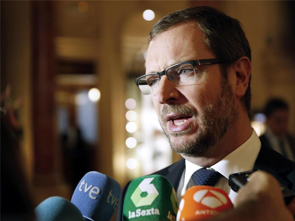 """El PP pide a la Academia de la TV un """"cara a cara"""" entre Casado y Sánchez"""