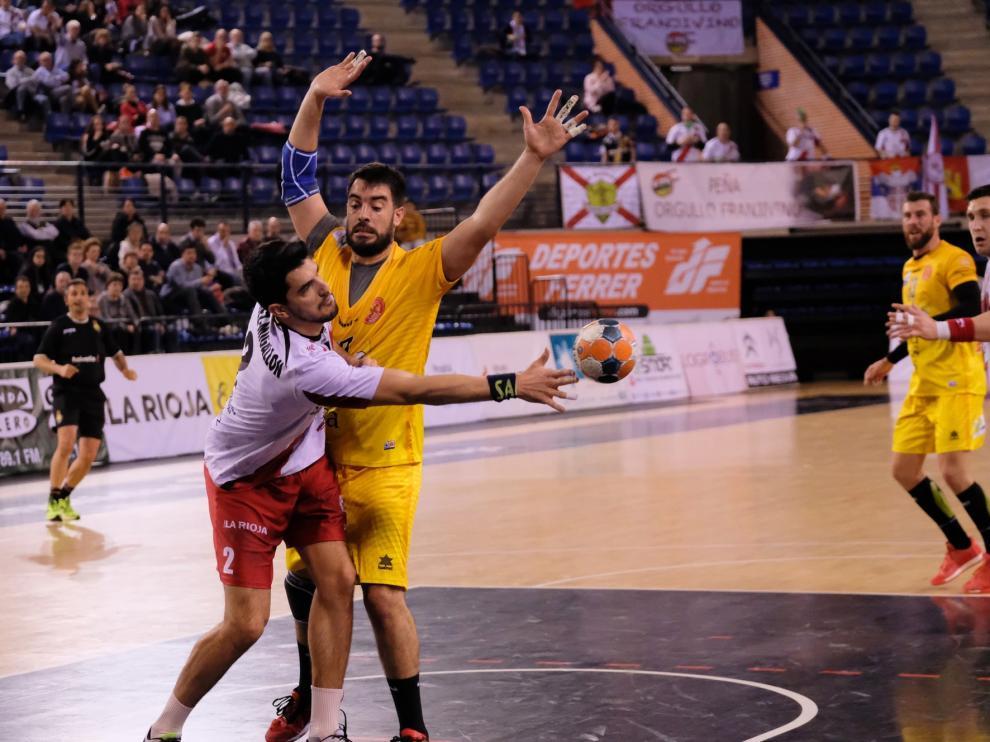 El Logroño se coloca tercero tras un claro triunfo sobre el Bada Huesca (34-24)