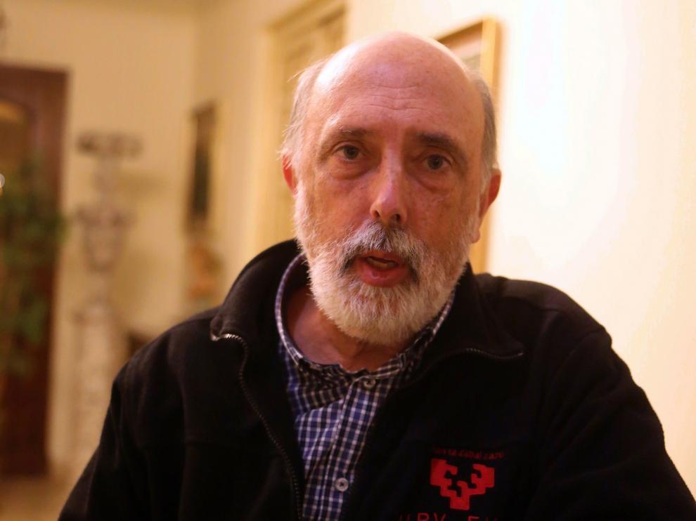 """Francisco Etxeberría: """"Exhumar restos de fosas comunes no supone abrir viejas heridas"""""""