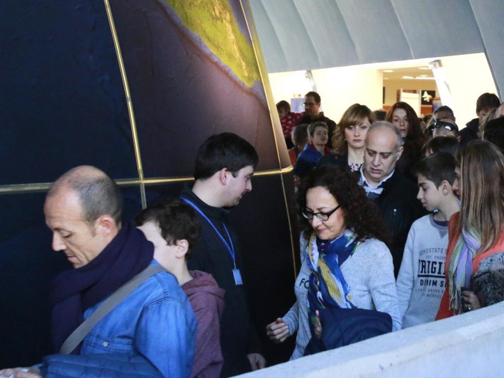 Visitas teatralizadas y sorteos para animar a zaragozanos a visitar la ciudad de Huesca