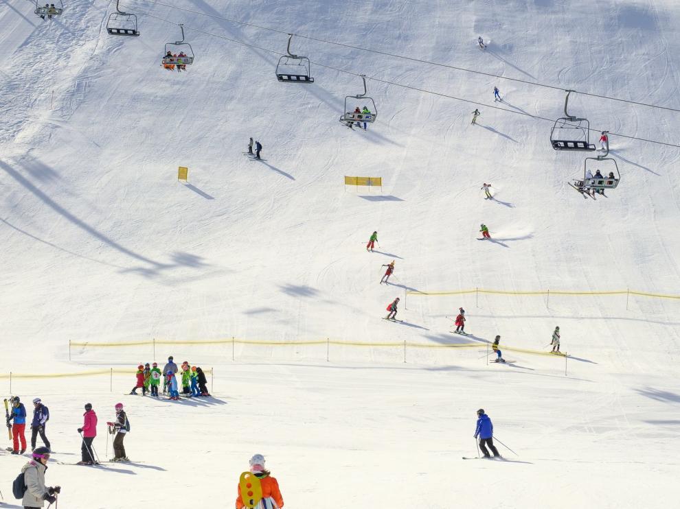 Las estaciones de esquí de Aramón abrirán el 23 de diciembre si hay movilidad dentro de la región