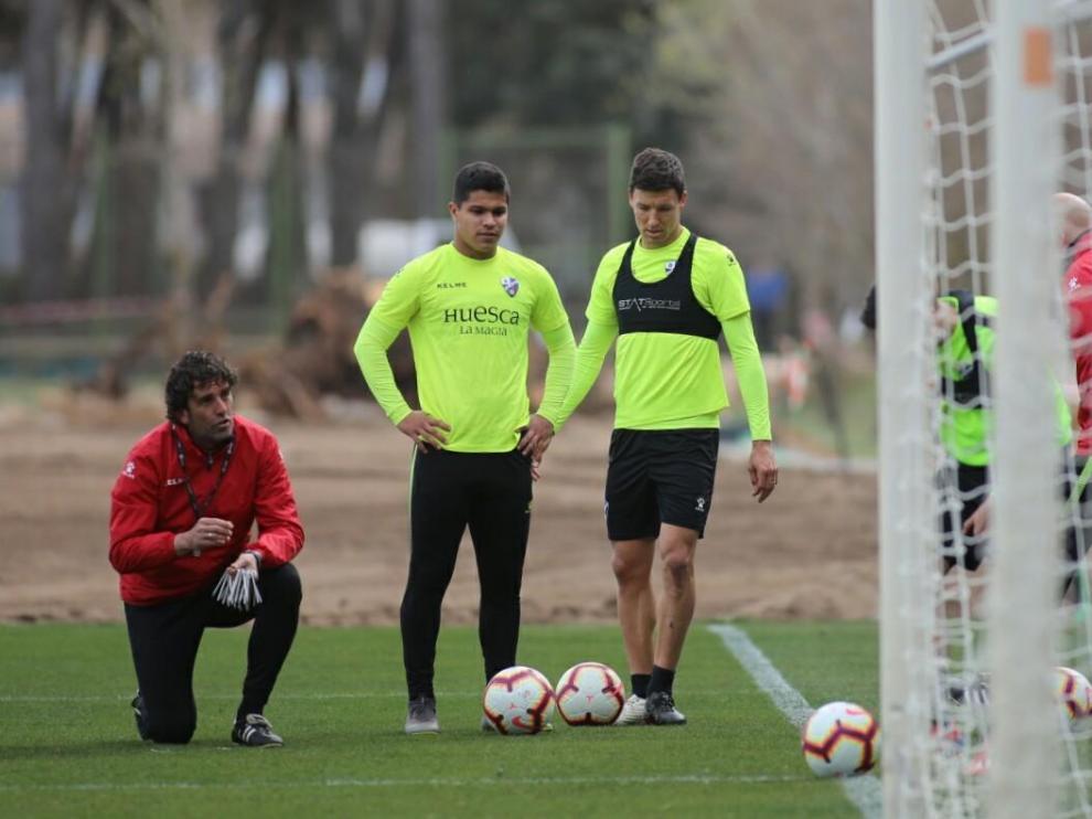 """Musto afirma que trabaja """"para ser útil y ser opción"""" en el Huesca"""