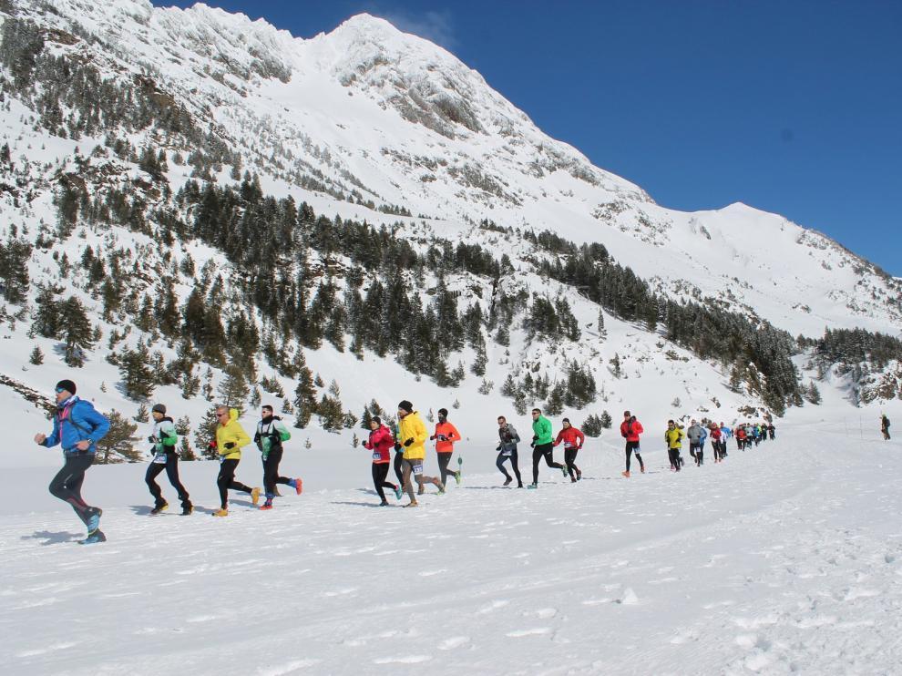 La Snow Trail 2 Heaven reúne a 300 participantes en Llanos del Hospital