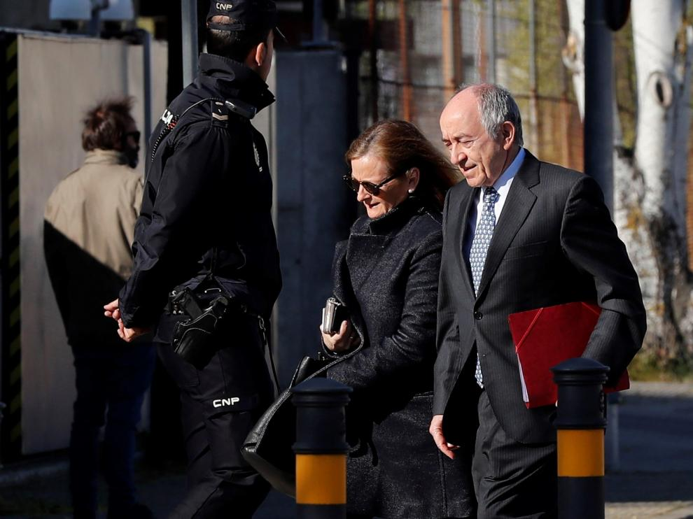 Fernández Ordóñez no recibió alertas sobre Bankia hasta 2012