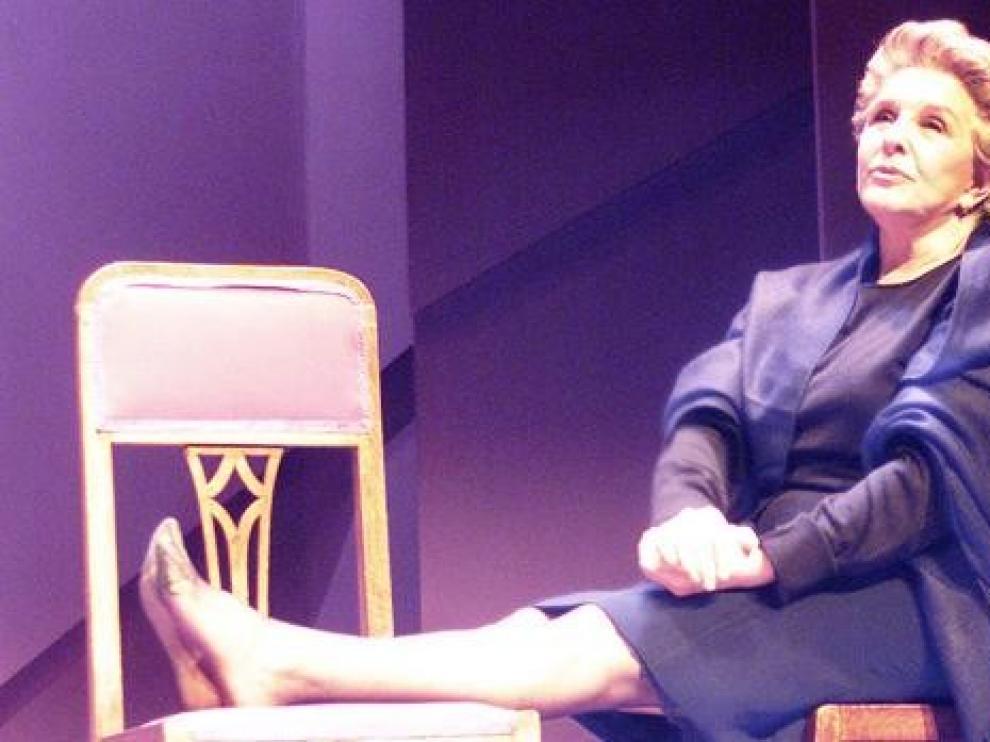 Lola Herrera se recupera tras desmayarse actuando en el Auditorio de León