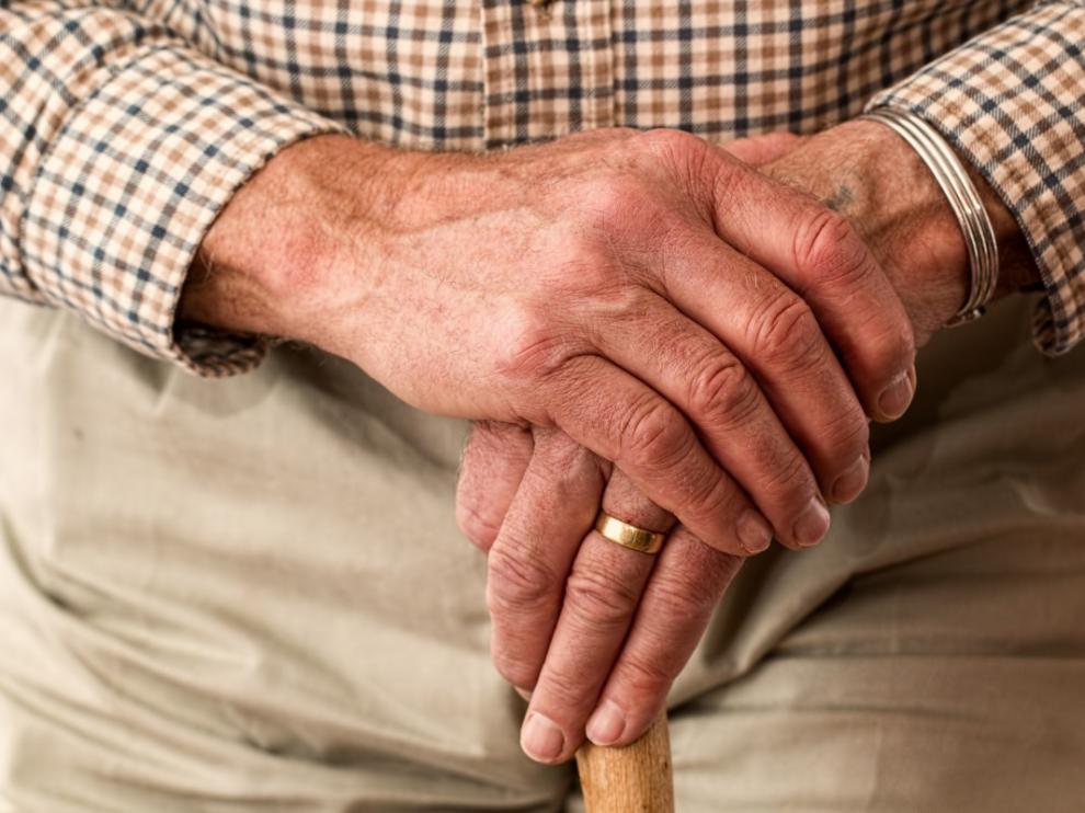 Investigadores describen cómo cambia el cerebro años antes de los primeros síntomas del alzhéimer