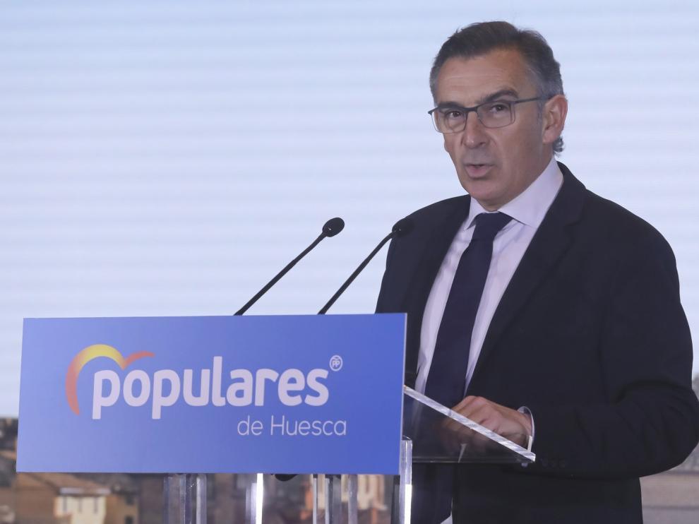 La Universidad Rey Juan Carlos revisa el expediente del líder del PP Aragón