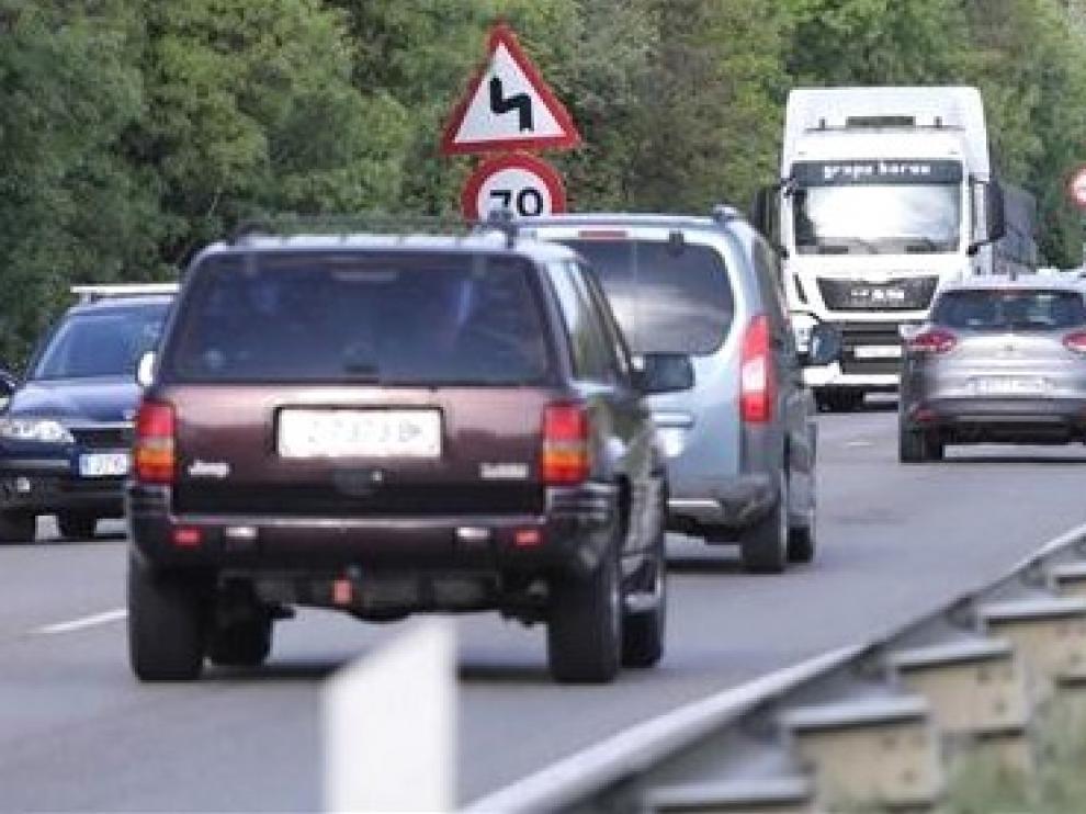 Tres jóvenes de unos 20 años muertos y otro herido grave en accidente en Madrid