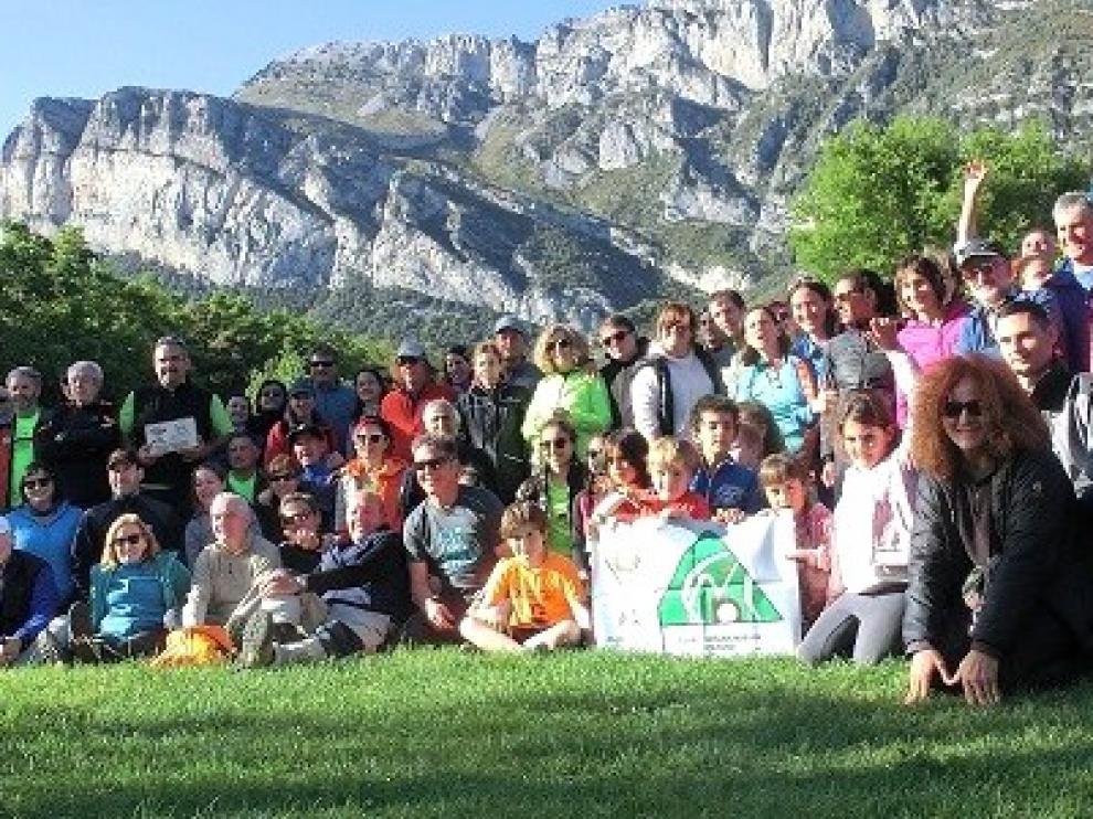 El CAS cumplió un año más con la subida festiva a Peña Montañesa