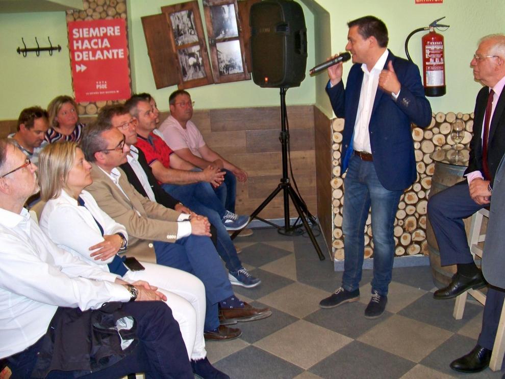 El ministro Borrell afirma en Fraga que Europa necesita más solidaridad
