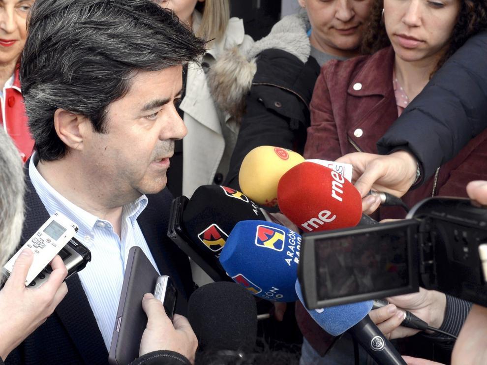 Una encuesta sitúa a Luis Felipe por delante de Alós en la capital oscense