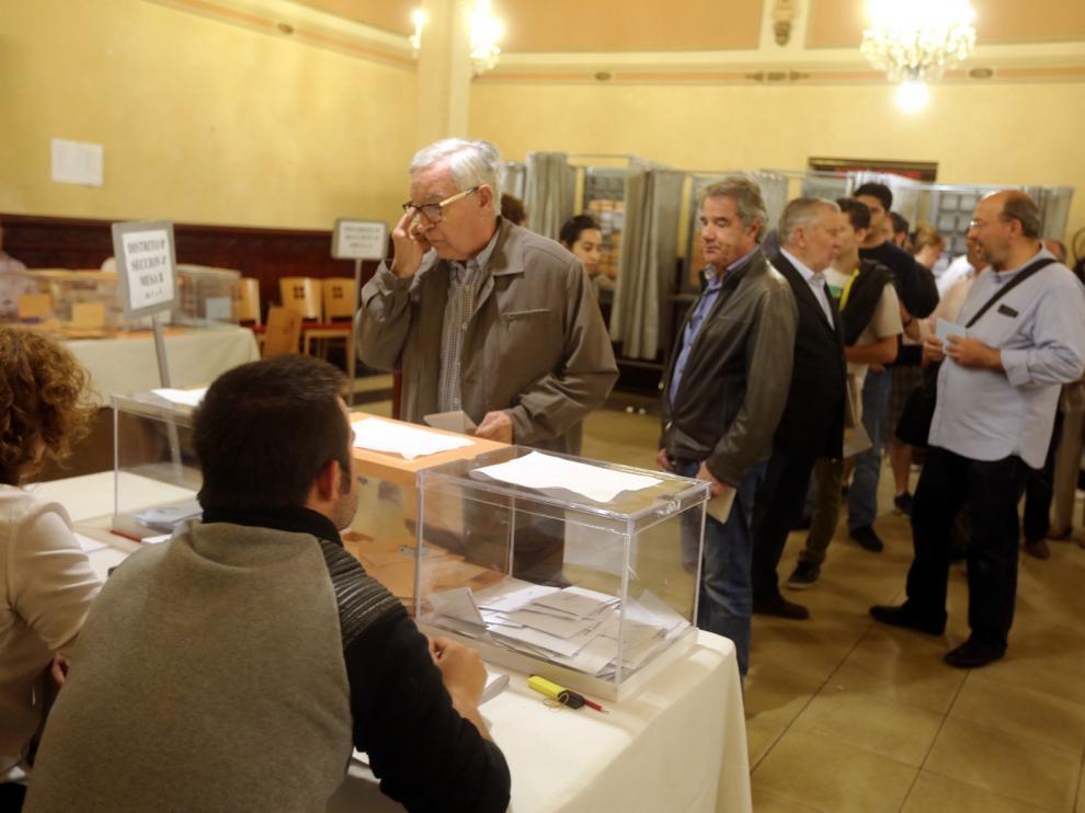 Los socialistas logran 108 de los 238 concejales en La Hoya, seguidos de los populares, con 68