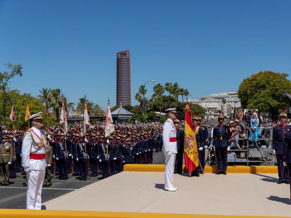 El rey muestra su gratitud a los 186 militares caídos por la paz