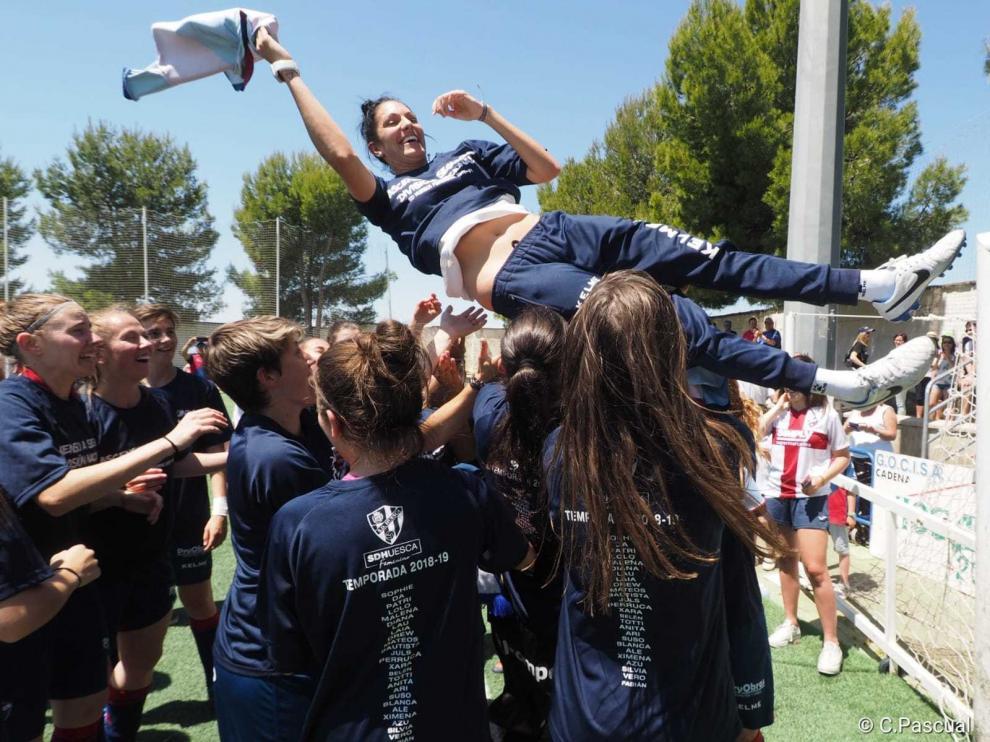 """Verónica Rodríguez, entrenadora: """"El grupo es impresionante y eso nos ha llevado a no perder ni un partido"""""""