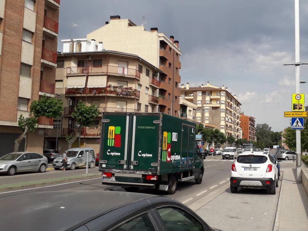 El Ayuntamiento de Monzón instala un cinemómetro provisional en la calle San Juan Bosco