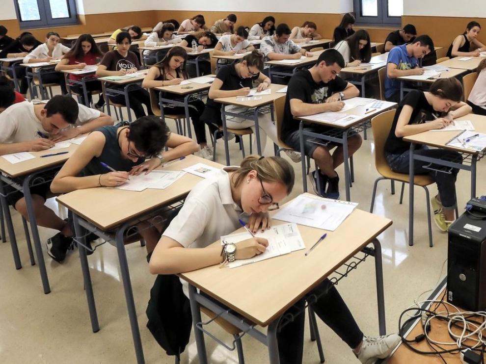 Un millar de estudiantes inician este martes en la provincia de Huesca las pruebas de acceso universitario