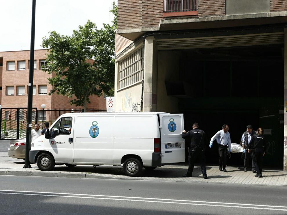 Fallece un pintor de 57 años al caer de una altura de siete metros en Zaragoza