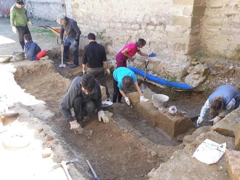 """La """"Catedral Oculta 2.0"""" saca a la luz restos de la época romana y medieval en Huesca"""
