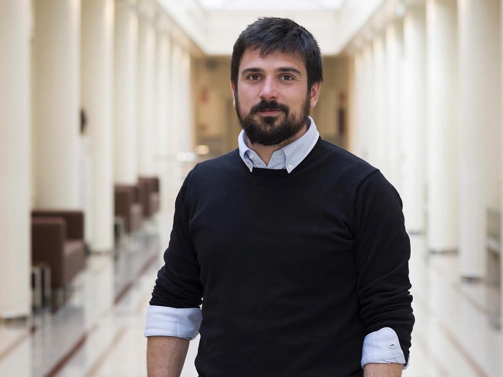 """El """"militante"""" Ramón Espinar planta cara a Pablo Iglesias"""
