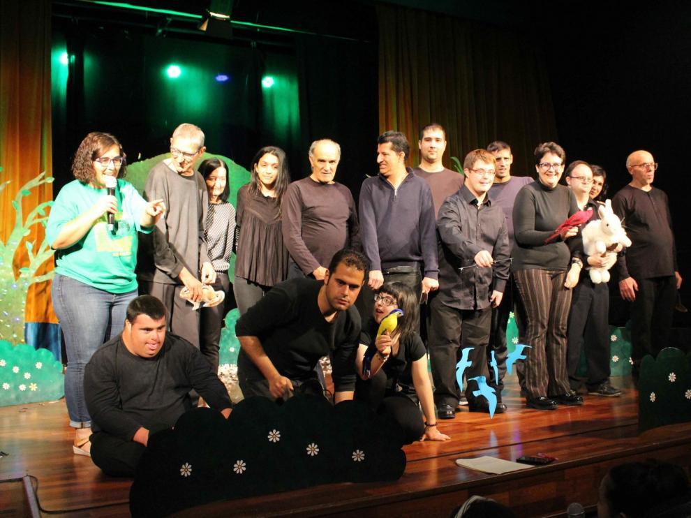 El teatro inclusivo de Imaginaria cosecha el aplauso unánime del público de Binéfar