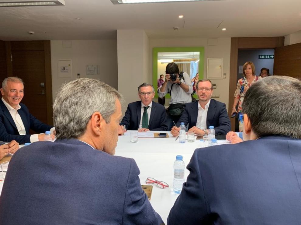 Partido Popular y Ciudadanos dan el primer paso para gobernar en Aragón