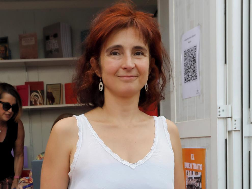"""La debutante Silvia Morote ofrece al lector una variada colección de """"relatos de muchos mundos"""""""