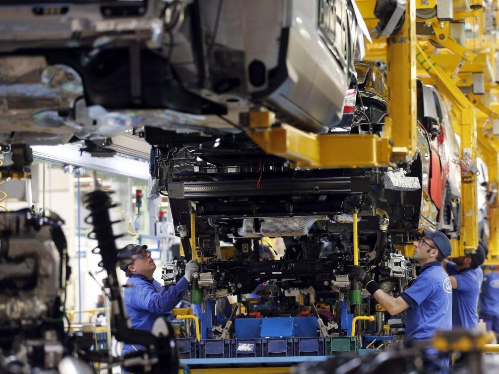 La producción industrial cae un 2,6 % en abril en Aragón