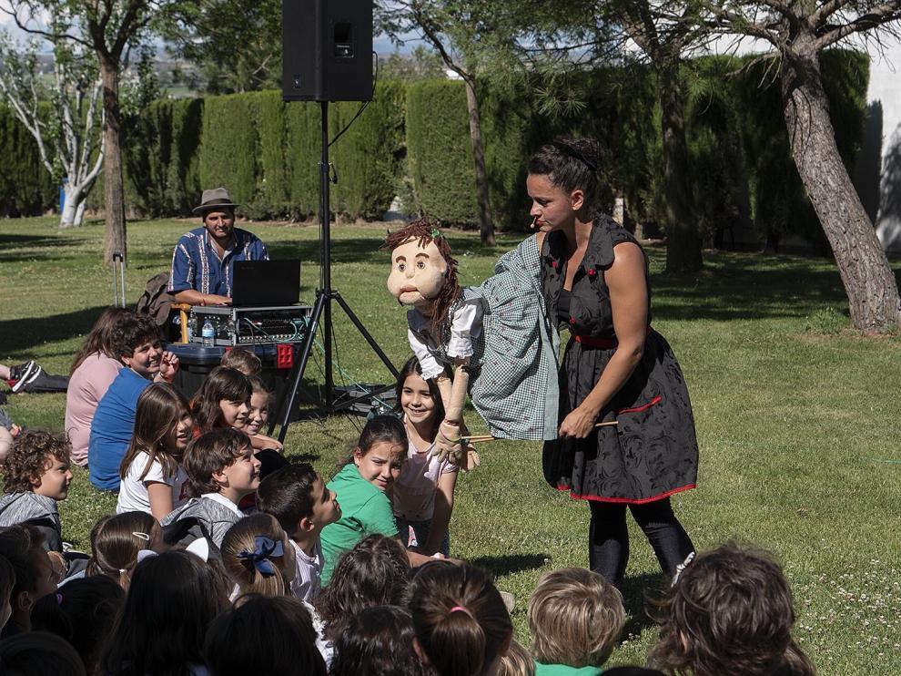 """Imaginaria lleva su teatro pedagógico y su """"arteterapia"""" a escolares y ancianos"""