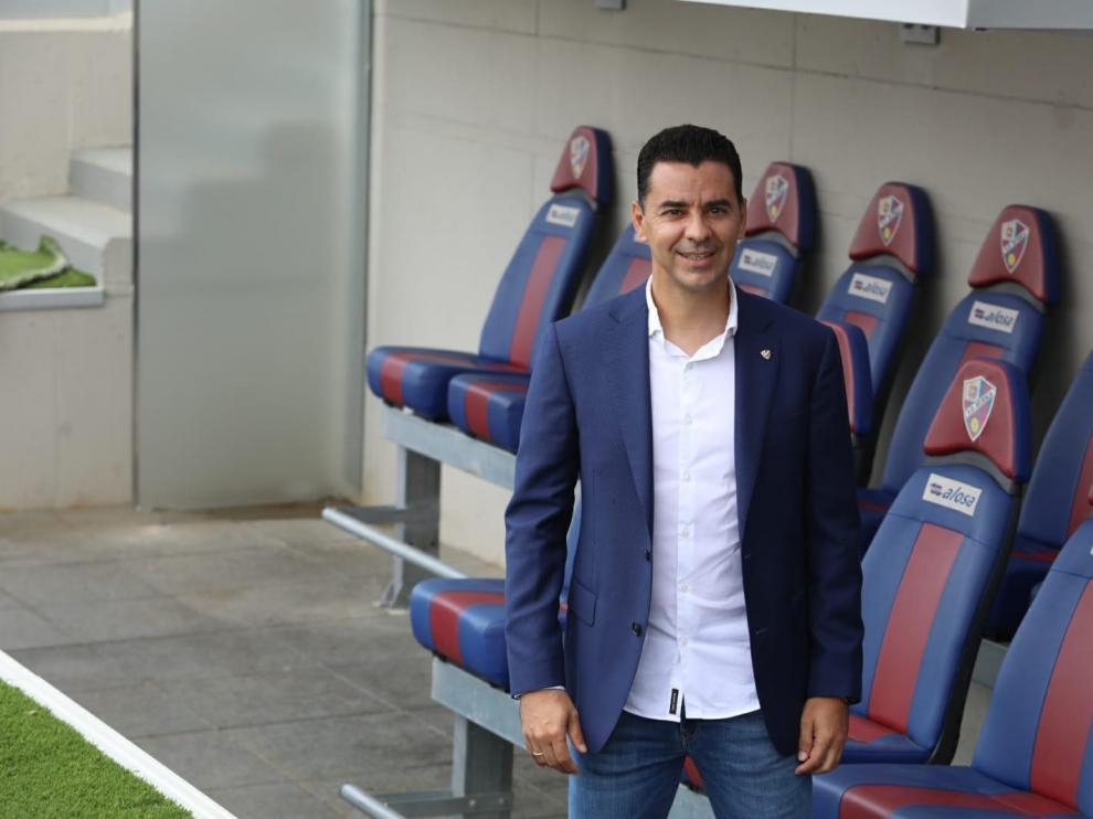 El nuevo entrenador del Huesca, Míchel, llega con ilusión y el deseo de dirigir al equipo muchas temporadas