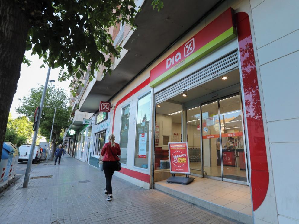 Supermercados Dia cierra las tiendas de Juan XXIII en Huesca y de avenida Madrid en Fraga