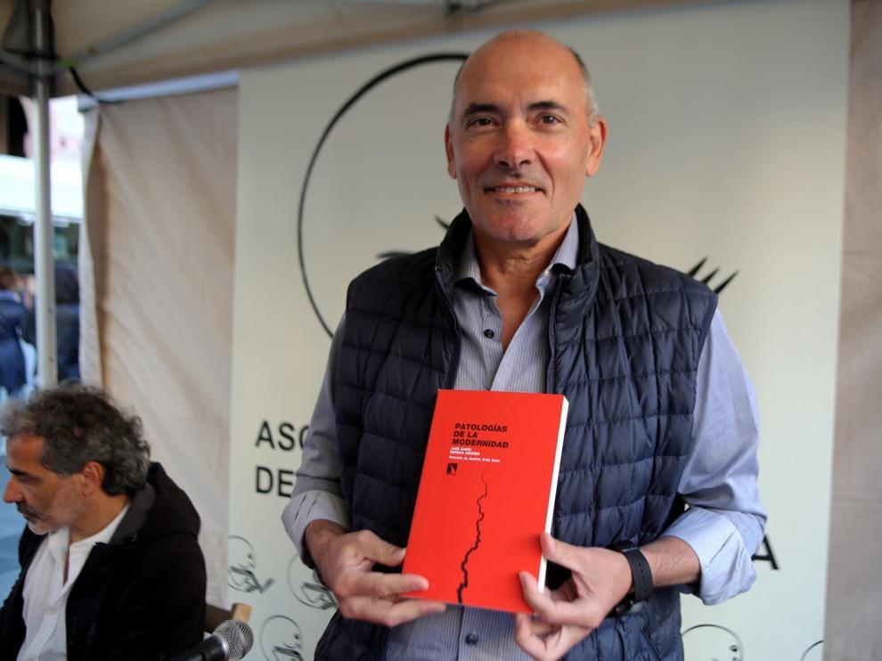 Bergua aborda las salidas posibles a las distintas crisis del mundo actual