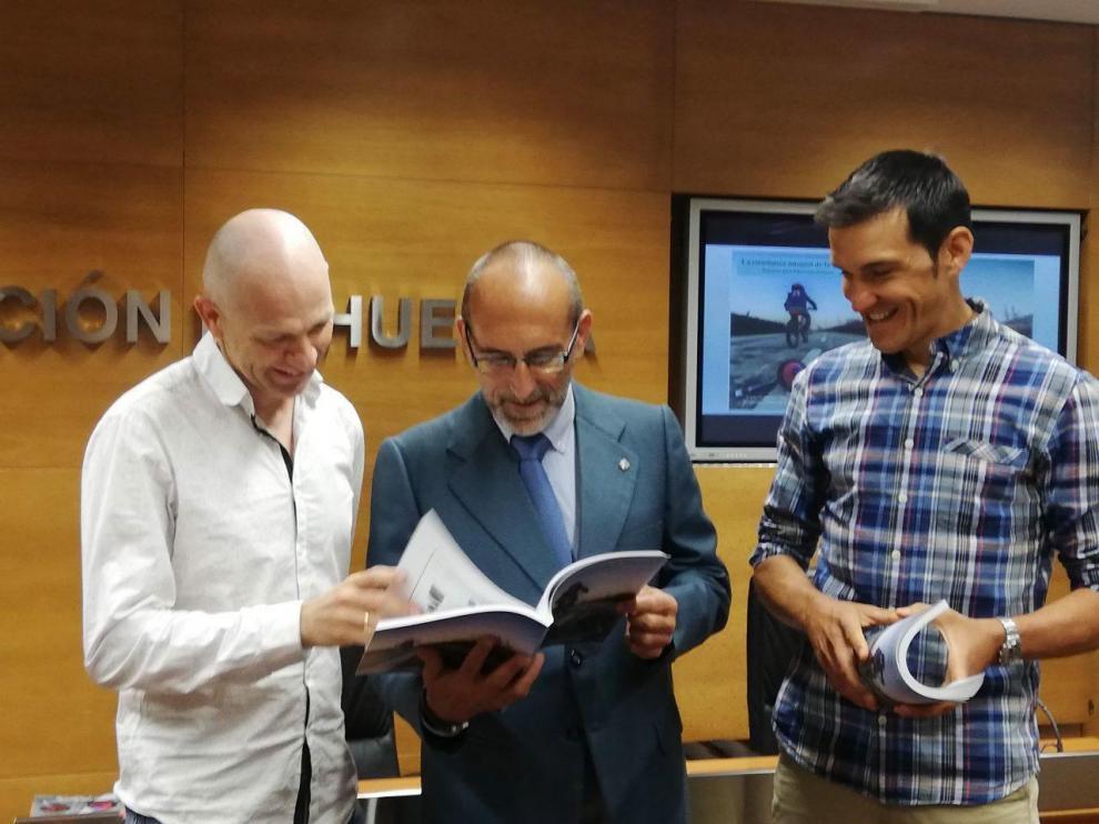 Una guía ayudará a los profesores de Primaria a introducir la bicicleta en las aulas de Huesca