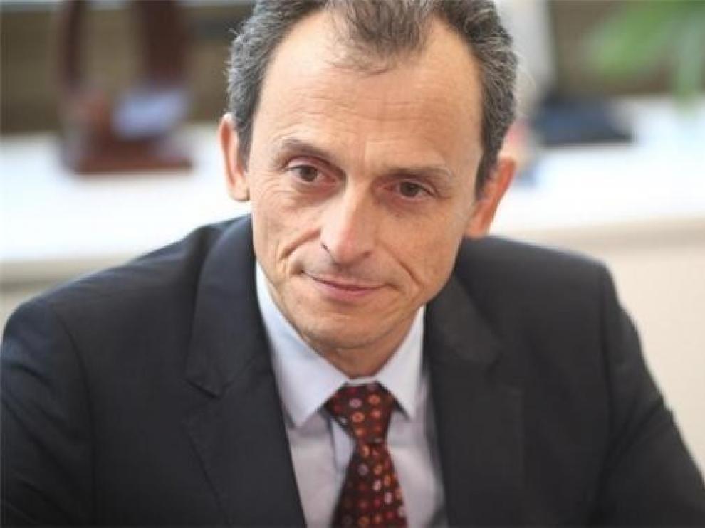 Pedro Duque e Isabel Celaá son los miembros del Gobierno con más dinero declarado