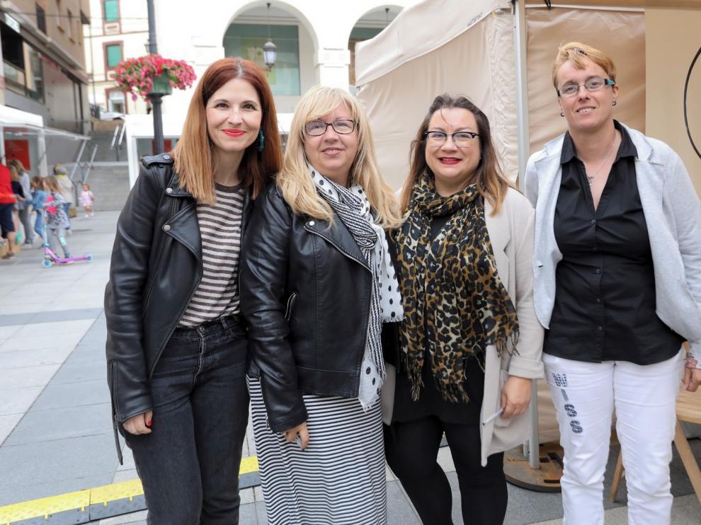 Diez autoras aragonesas crean grandes historias con un fin solidario
