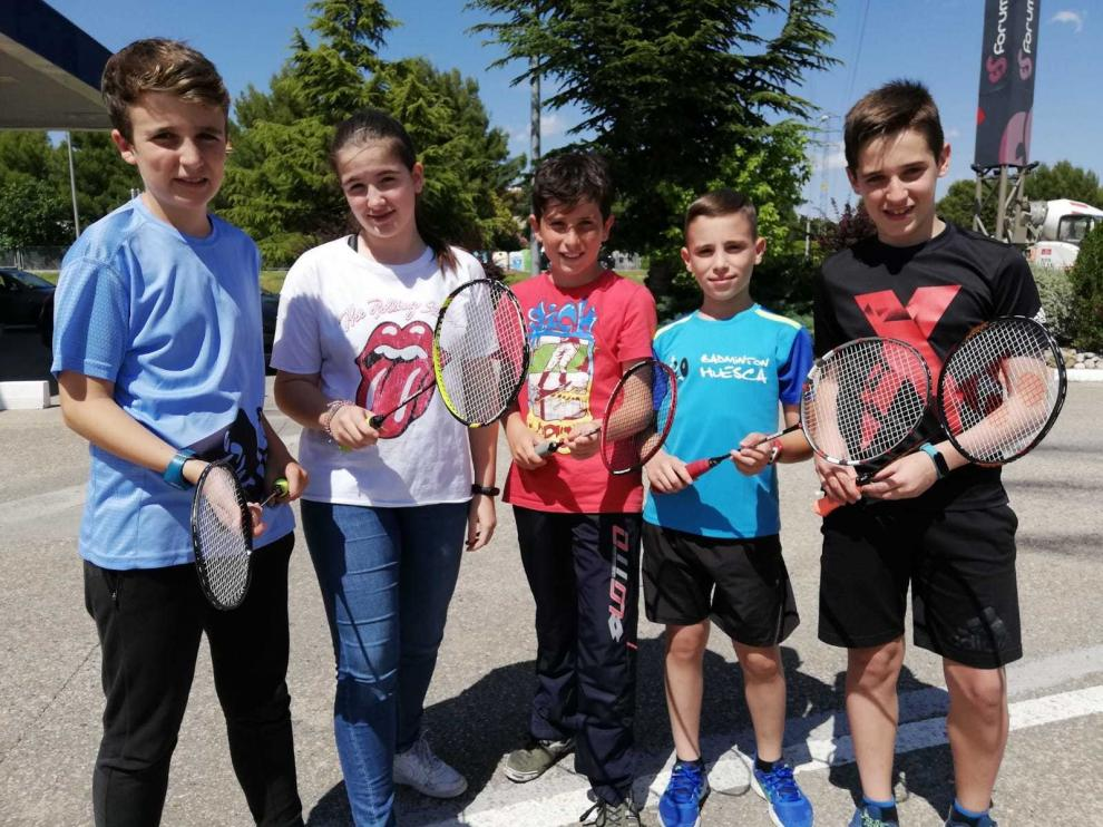 Seis jugadores del Huesca y dos del VV. Osca compiten en el Campeonato de España de Badminton